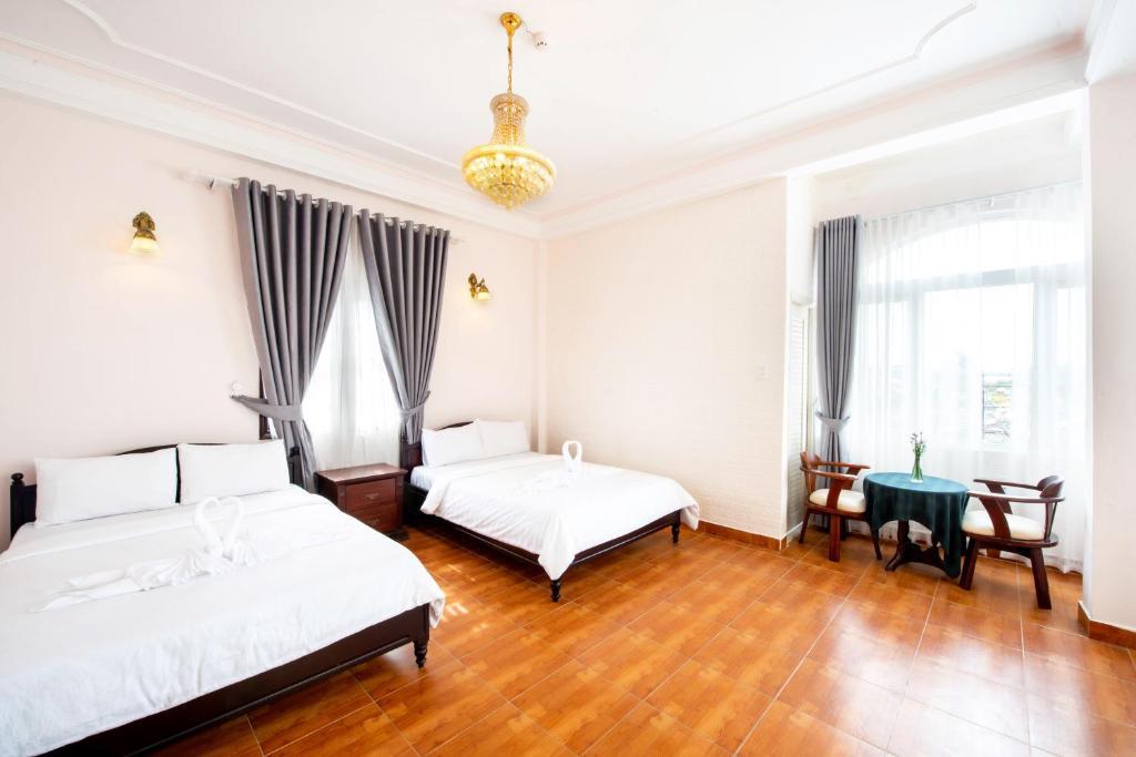 Khách sạn Le Petit Paris Đà Lạt